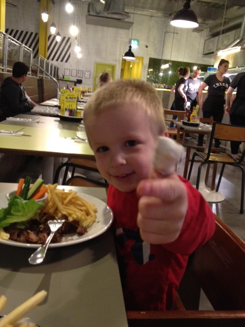 callum thumbs up