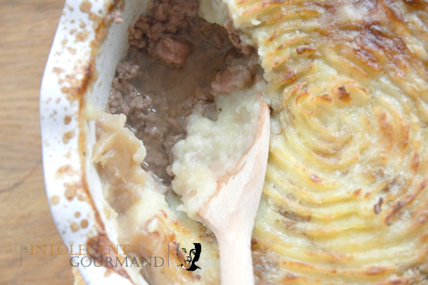 Cottage Pie - a delicious twist on the classic cottage pie, using bacon to add extra flavour! It's also gluten-free so fab for those with IBS or following a gluten-free diet due to allergies and intolerances! www.intolerantgourmand.com