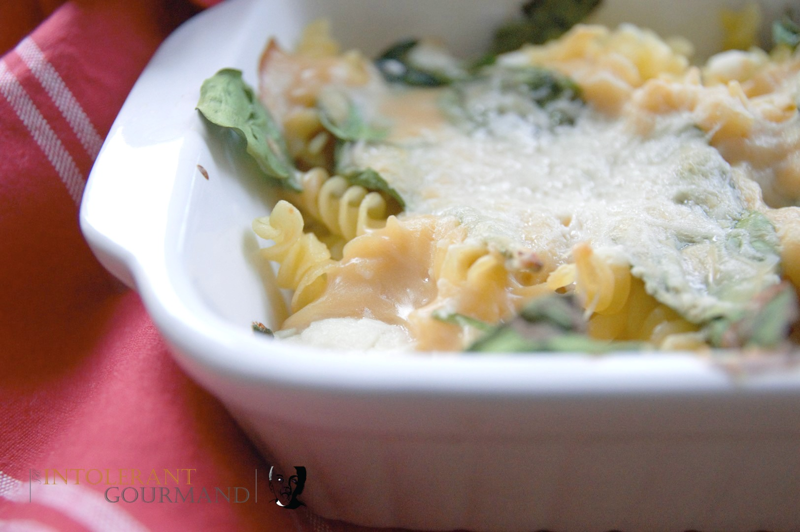 Macaroni Cheese - An iconic ultimate comfort food that's also a quick family dinner that everyone will love! It's also gluten-free too! www.intolerantgourmand.com