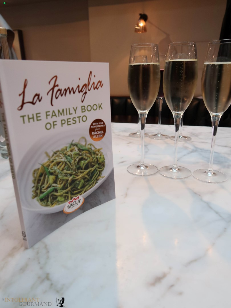 Sacla La Famiglia launch event - a wonderful evening celebrating the pesto sauce range that Sacla has to offer! www.intolerantgourmand.com