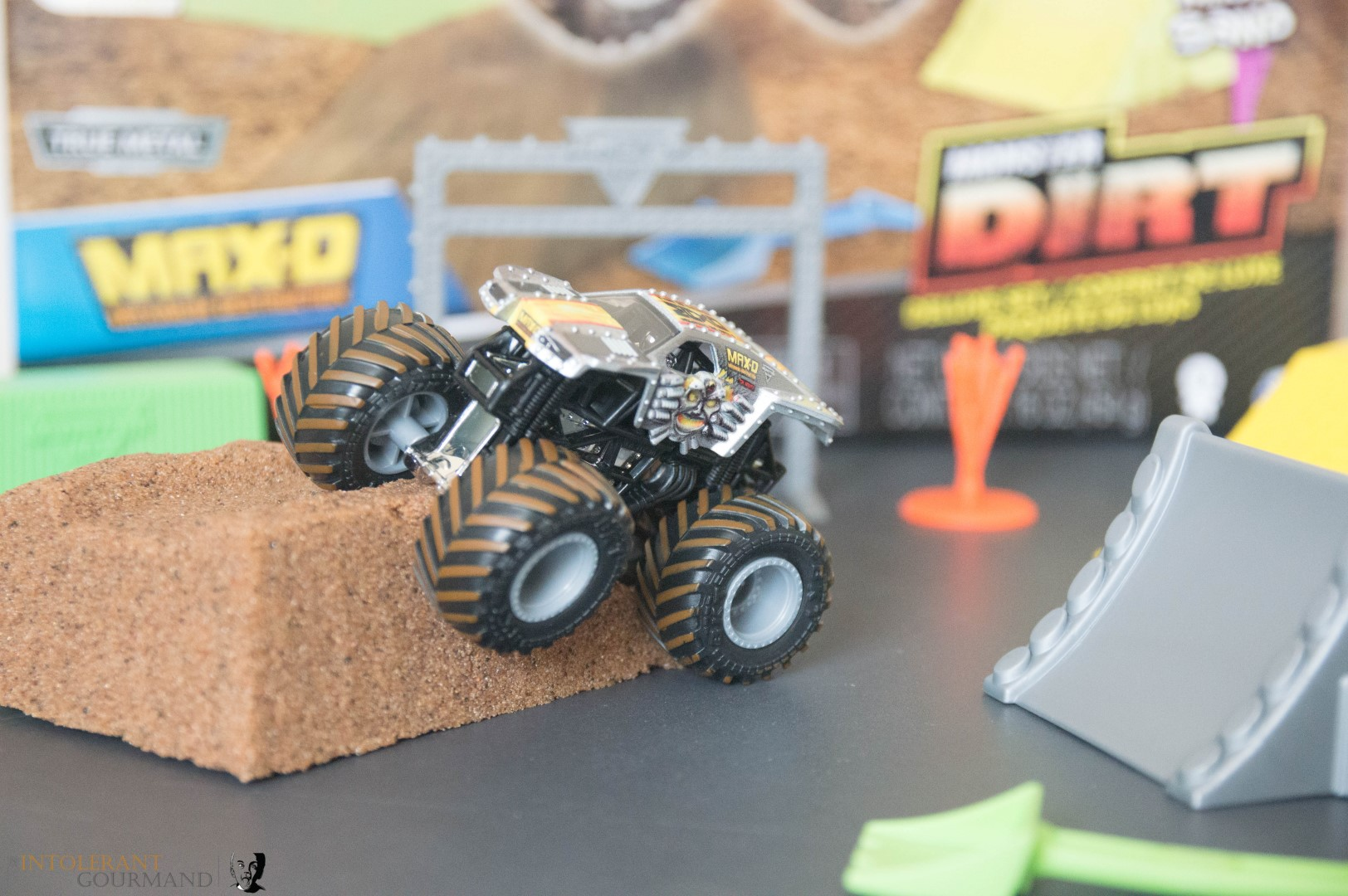 Spin Master Monster Jam Collection - Monster Jam Monster Truck with kinetic sand! www.intolerantgourmand.com